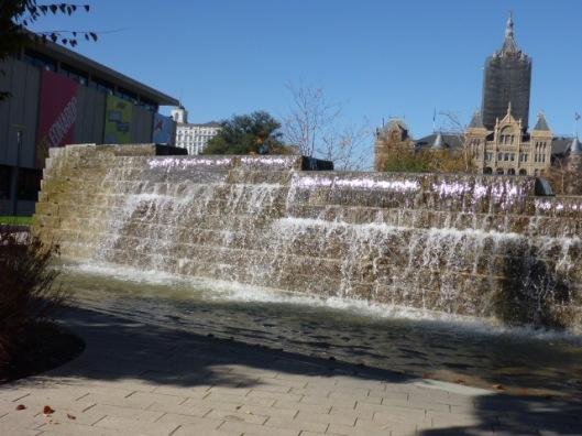 falls-leonardo-city-hall
